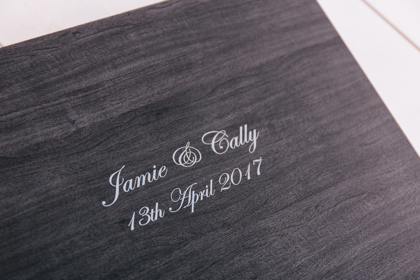 close up of wedding album box from graphistudio
