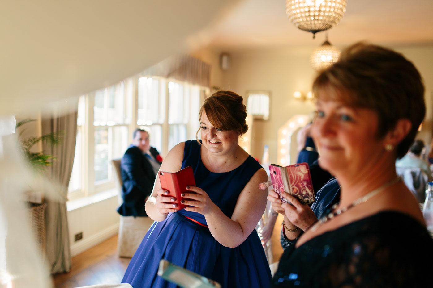 natural wedding photographs