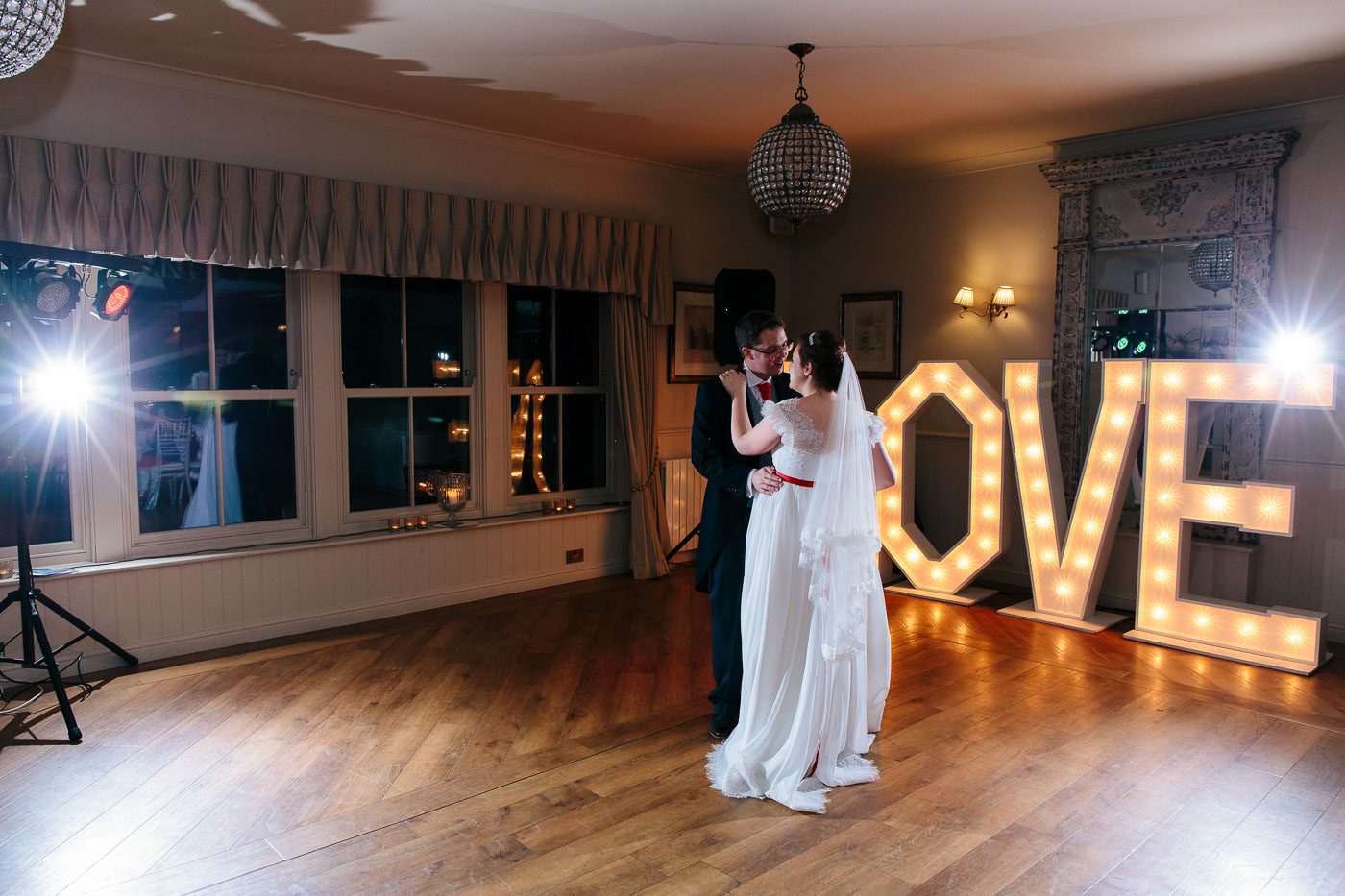 first dance photography at shireburn arms