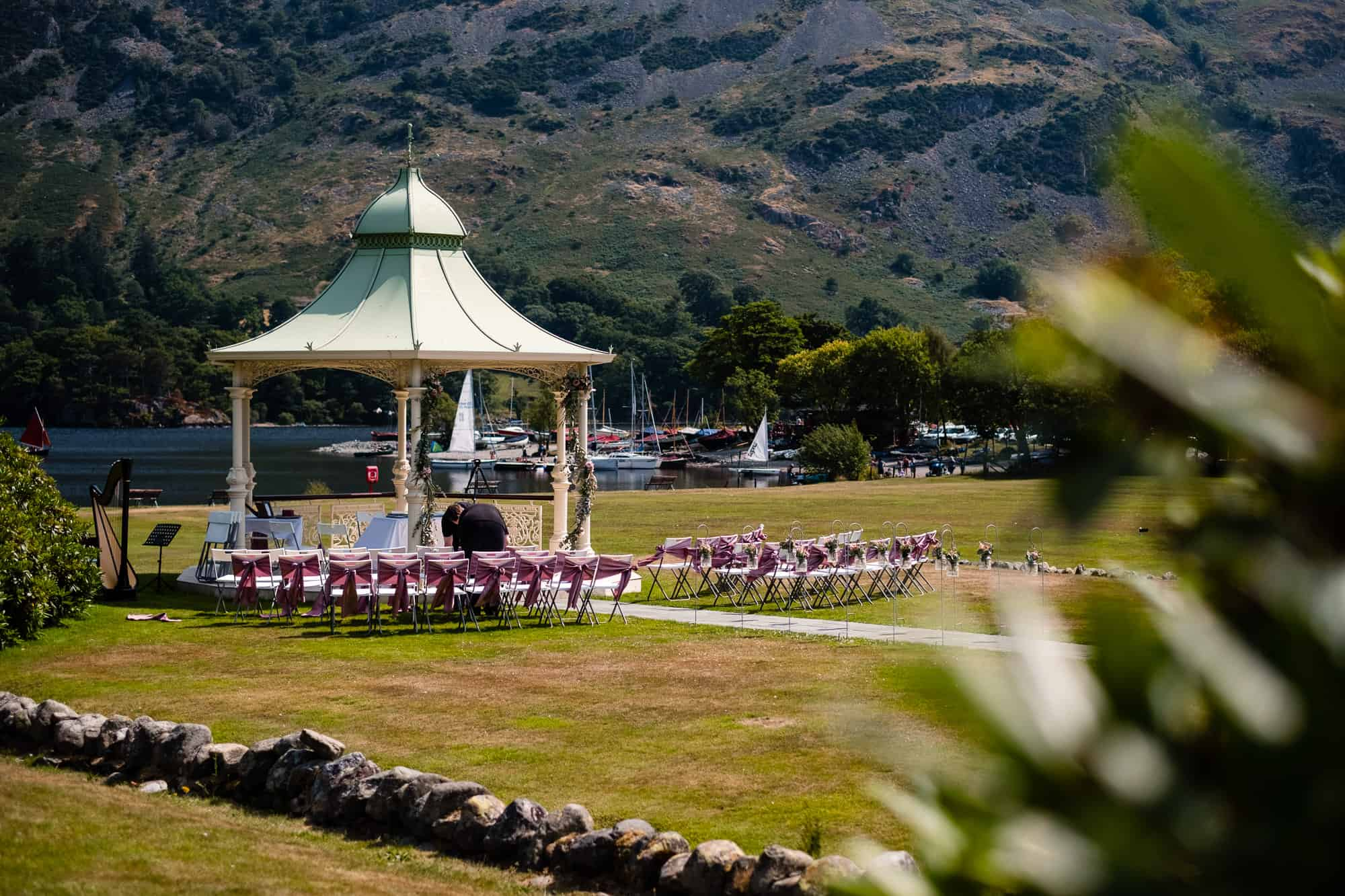 wide photograph of the lakeside gazebo at inn on the lake