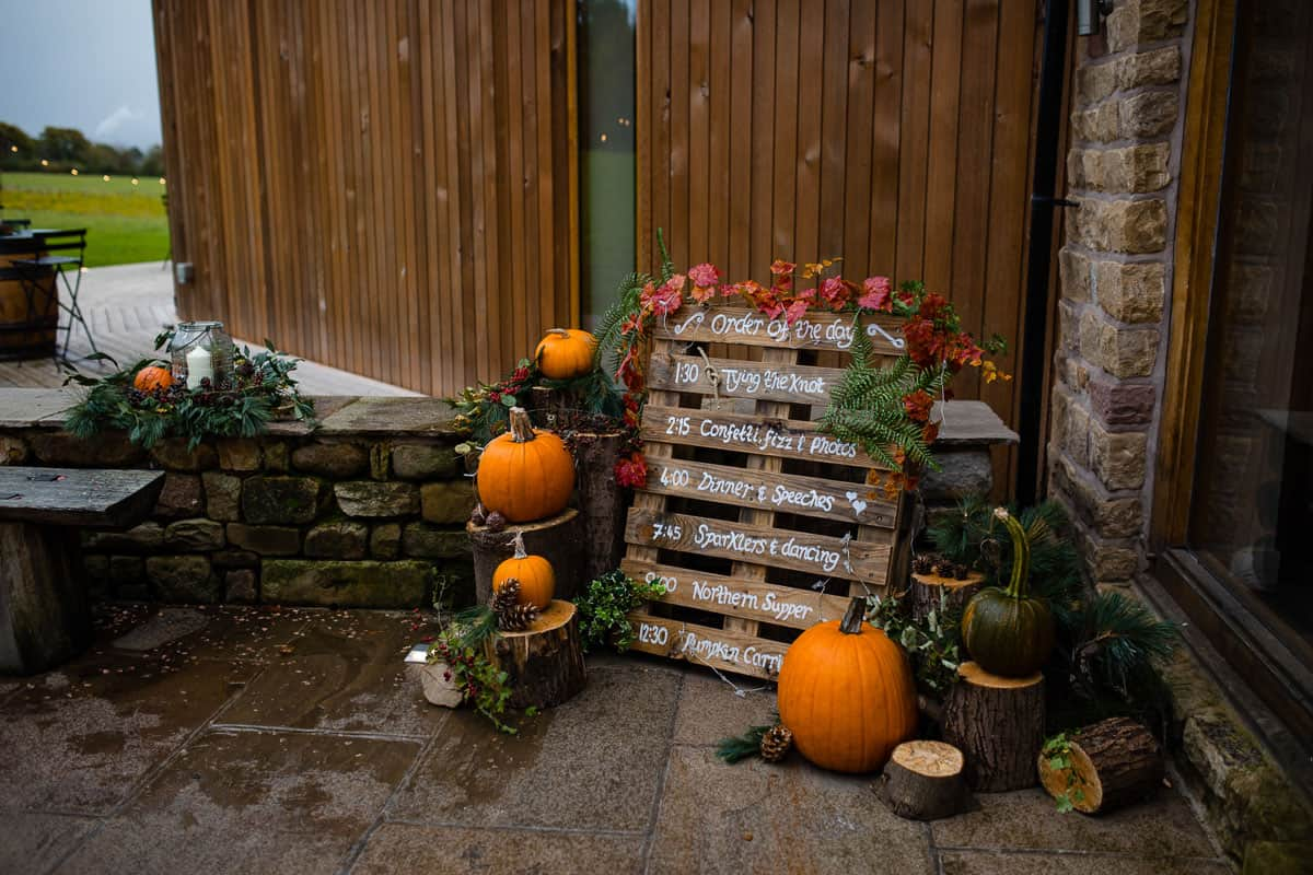 rustic autumn diy pallet schedule of events